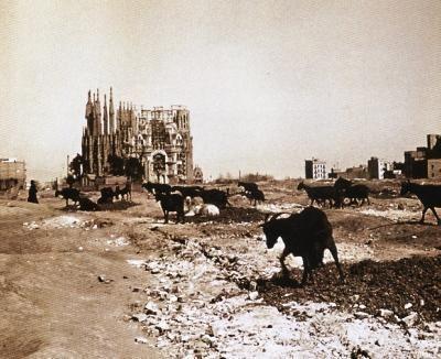 """La Sagrada Familia de #Barcelona """"en construcción"""""""