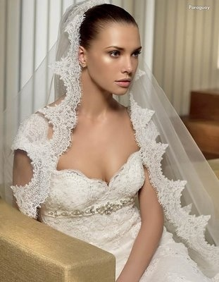 spanish wedding dresses  Love the veil.