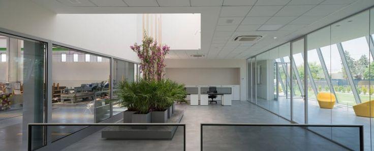 """Studio ass. """"SEZIONE D'ARCHITETTURA"""", Giovanni Colosio · Nuova sede aziendale nell'area industriale di Brescia sud."""