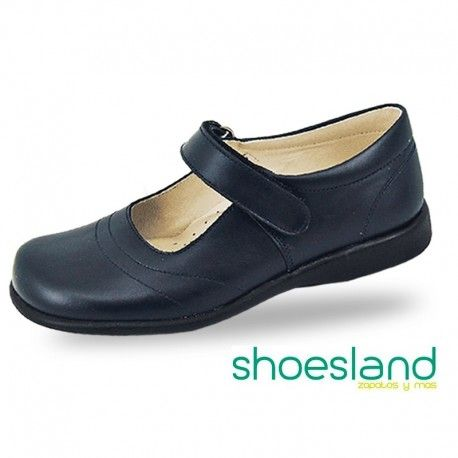 022c800a Para volver al cole con un zapato escolar para niñas de piel negra  resistente y cómodo fabricado en España. Deseando aprender co…