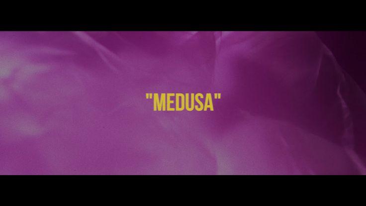 "Capicua - ""Medusa"" com Valete (Beat: Roger Plexico) - Lyric Video"