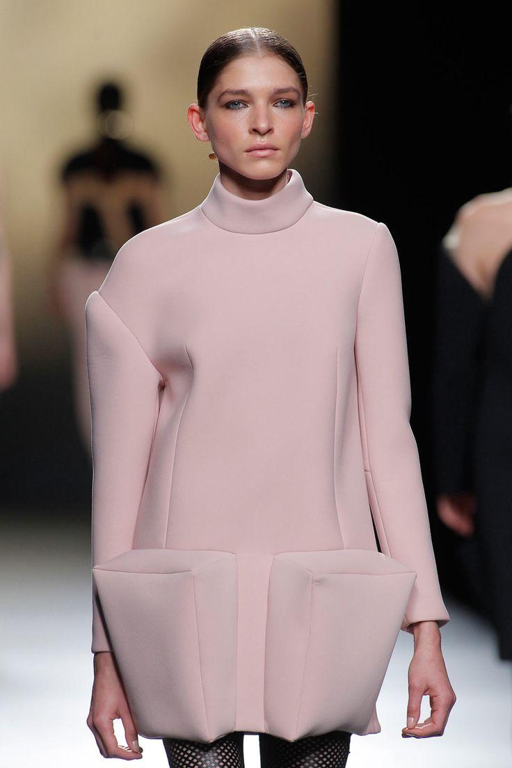 Madrid Fashion Week 2016: Amaya Arzuaga