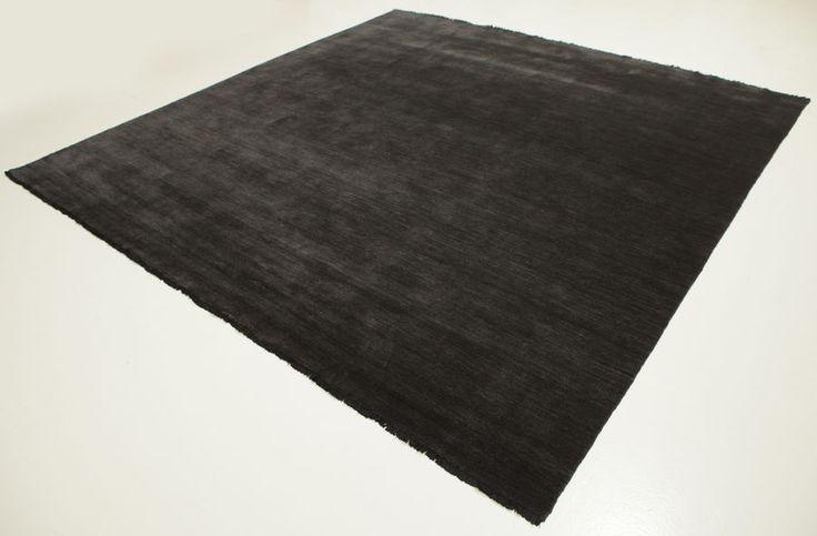 Handloom fringes - Zwart/Grijs tapijt 300x300