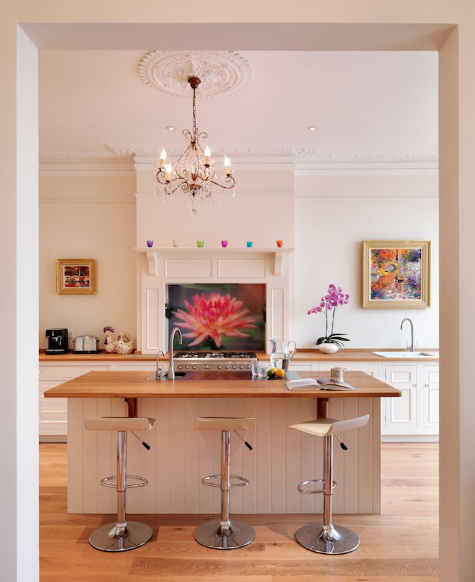 harvey Jones Original kitchen, handpainted in Dulux 'Natural Calico