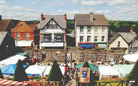 The fun of the festival spills on to the streets of Hay-on-Wye. I am so amazed by the emphasis on enjoying the beauty of literature in Wales!