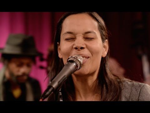 Rhiannon Giddens Don't Let It Trouble Your Mind (Last.fm Sessions) - YouTube