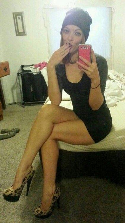 pantyhose maniac : Photo | Long legs selfie w 2019 | Girls ...
