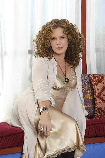 Elizabeth Perkins. (Weeds and How to Live with  Your Parents) She has become one of my favorite actresses.
