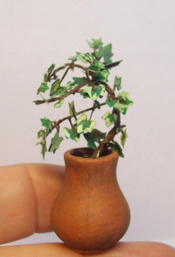 miniature ivy round pot. $8.00, via Etsy.