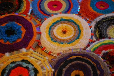 way cool weaving on CDs........a whole wall of these would look FABULOUS: Crafts Ideas, Cd Weaving, Weaving Tutorials, Kids Crafts, Weaving Projects, Old Cds, Art Projects, Wonderful Life, Wonder Life