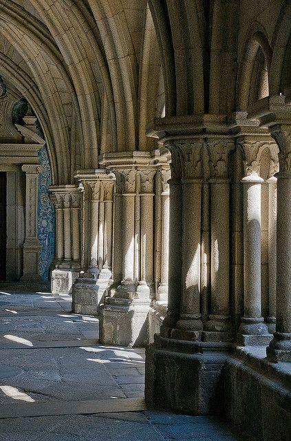 Sé: Cloister , Porto Portugal