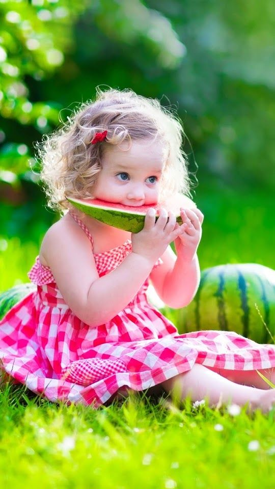 Cute Girl Eating Watermelon ♥g♥