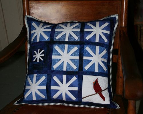 Snowflakes   Pillow #1 for my personal Pillow A Month challe…   Flickr