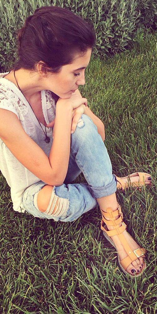 Eleni Vaitsou wearing #MIGATO HW9796 camel sandal!  SHOP NOW ► miga.to/HW9796-L52en