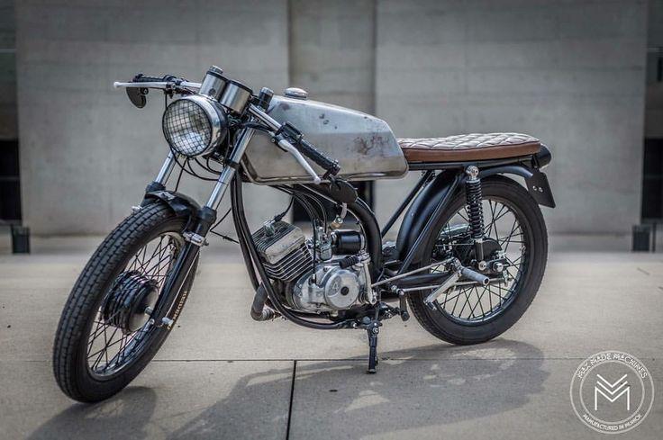 """265 kedvelés, 14 hozzászólás – Max Made Machines (@maxmademachines) Instagram-hozzászólása: """"#mxmdms  #maxmademachines #custom #custombike #custommade #custombuild #vintage #retro #simson #s51…"""""""