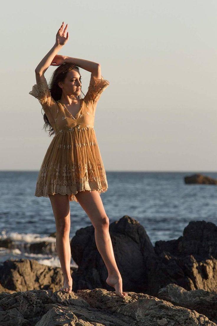 Red Rocks Titahi Bay NZ Model: Lereisha Te Awhe-Downey Photographer: Paul Maka-Kea HMUA: BOOK ME