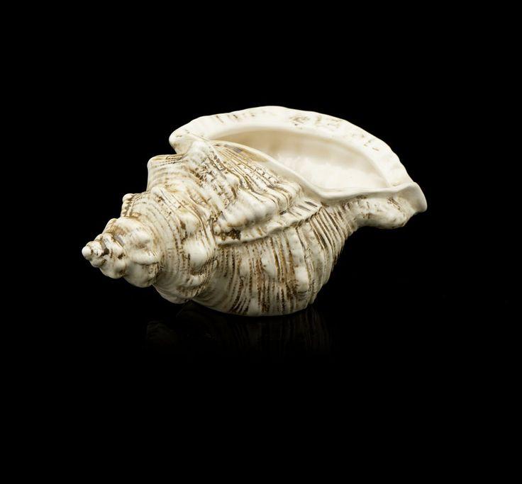 Molheira em forma de búzio em cerâmica da Secla.