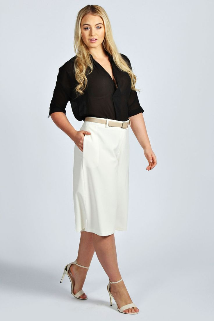 Boohoo Plus Size Cream Midi Culottes on The Curvy Fashionista