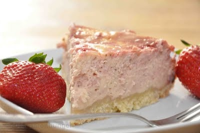 Strawberries and Cream Cheesecake | strawberry fields forever | Pinte ...