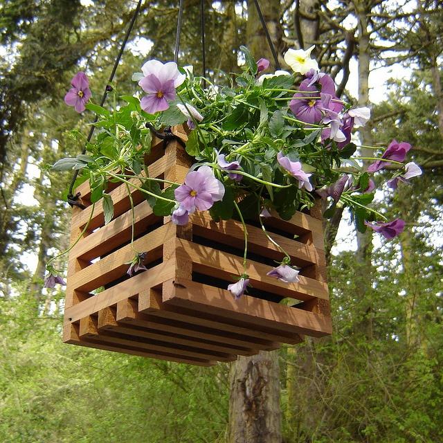 hanging planter, simple design, scrap wood.