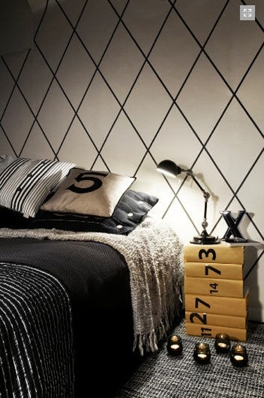 black and white diamond grid accent wall (use electrical tape maybe?)
