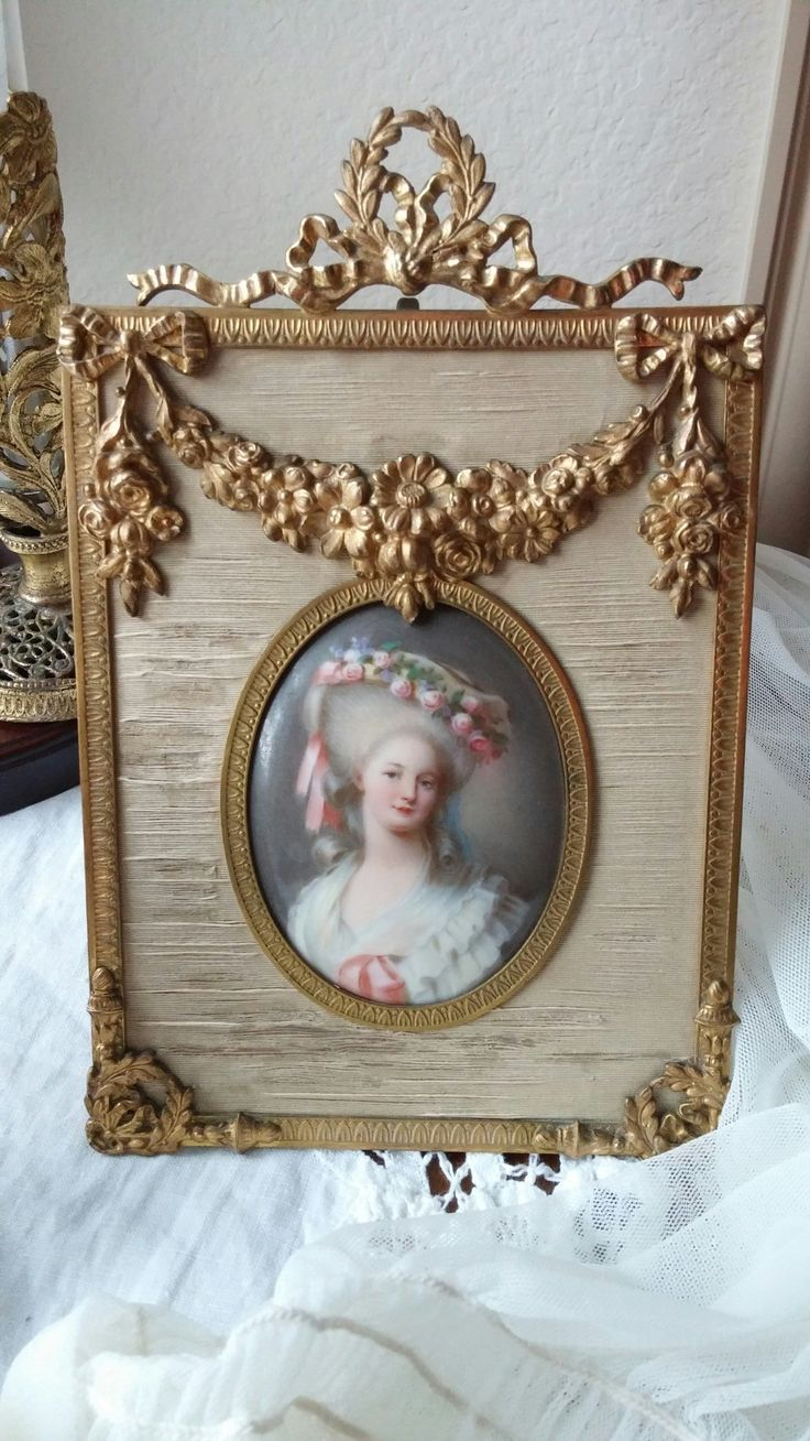 35 best frame images on pinterest frames picture frame and picture frame display picture frames princess aesthetic table frame oval frame egg decorating mademoiselle small tables french decor jeuxipadfo Gallery