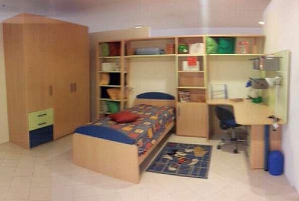 #Camera per ragazzi. Composizione #cameretta per ragazzi in laminato  Armadio cm 180 h. 230 Parete libreria con letto scrivania  #svendere.it