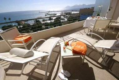 Nothing says sophistication and luxury like Cannes, France at the Majestic Barriere.