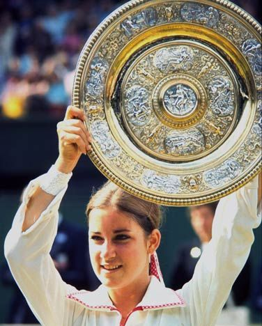 Google Image Result for http://the-tennis-freaks.com/wp-content/uploads/2010/12/chris-evert-1974.jpg