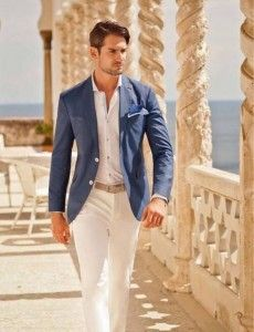 As cores claras para o esporte fino masculino estão entre as melhores dicas pra o esporte fino durante o dia.