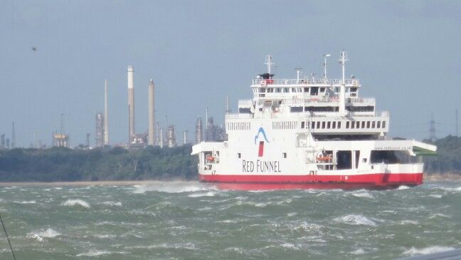 RED FUNNEL FERRY 21/10/14