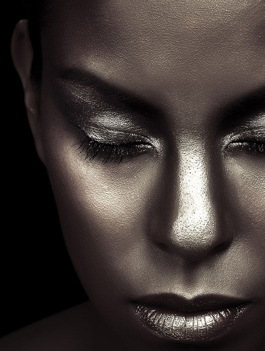 Make-up & Hair: Denitza van der Meulen.  © Ron de Wildt