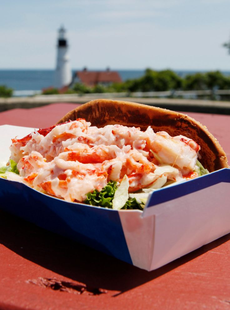 I Ate This On Purpose: The McDonald's Lobster Roll http://r29.co/2wbWkQT