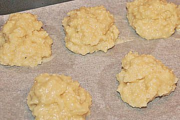 Makronen – Grundrezept für Mandel-, Haselnuss- oder Kokosmakronen