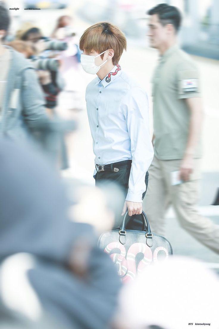 ~[28/04/17] Leaving Incheon Airport~ ©MAX LIGHT #V #KimTaehyung #TaeTae #BTS #LeavingIncheonAirport