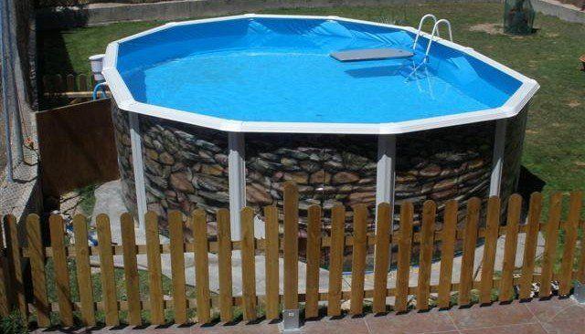 piscine hors sol option démontable cloture en bois