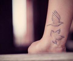 birds<3: Tattoo Ideas, Wrist Tattoo, Birds Tattoo, Beautiful, Body Art, A Tattoo, New Tattoo, Dove Tattoo, White Ink