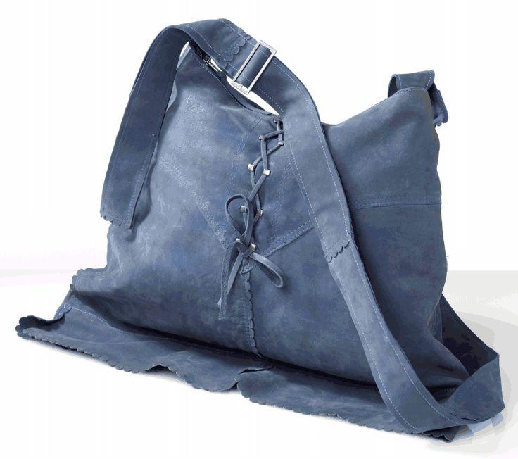 PATRIZIA PAVIA--- le sue borse sono ricavate dall' assemblage di capi in pelle vintage ...non è geniale ??