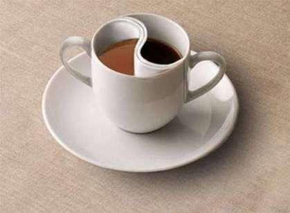 Горячее утро для спорта или кружечка бодрости на весь день! По следам горячих напитков, что пить Воинам.  Каждое утро мы заливаем кипятком свою кружку. Аромат разливающийся из неё помогает нам проснутся, начать новый день с приятным чувством. Особенно приятно выпить кружечку горячего, когда за окном холодно и идёт дождь или снег. Что же такого общего в чае и кофе, в этих двух разных и таких любимых напитках? Состав чая и кофе:......
