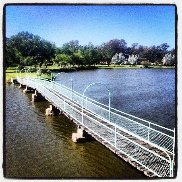 Puente del parque de Tranque! #puente #puentealto #InstaPuenteAlto #lapuente #puenteromano #ElPuente #puentes #puentecolgante #instapuente #puentepeatonal #puentedepiedra #felizpuente #puentedelamujer #puenteviejo #puentedelasamericas #PuenteDeTriana #puentesobreellago #elsecretodepuenteviejo #inacappuentealto #puentedeltercermilenio #ilsegretodipuenteviejo #puentedelpilar #puenteandalucia #titopuentes #EdgarPuente #PuenteRialto #puentenegro #paseodelospuentes #puentededios…