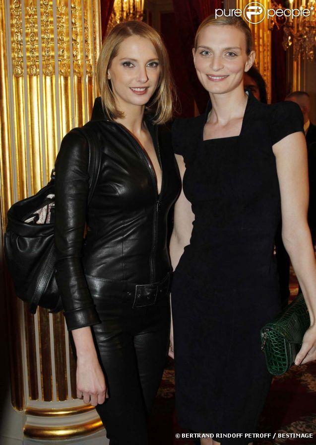 Frédérique Bel et Sarah Marshall à la cérémonie organisée à l'Élysée où le…