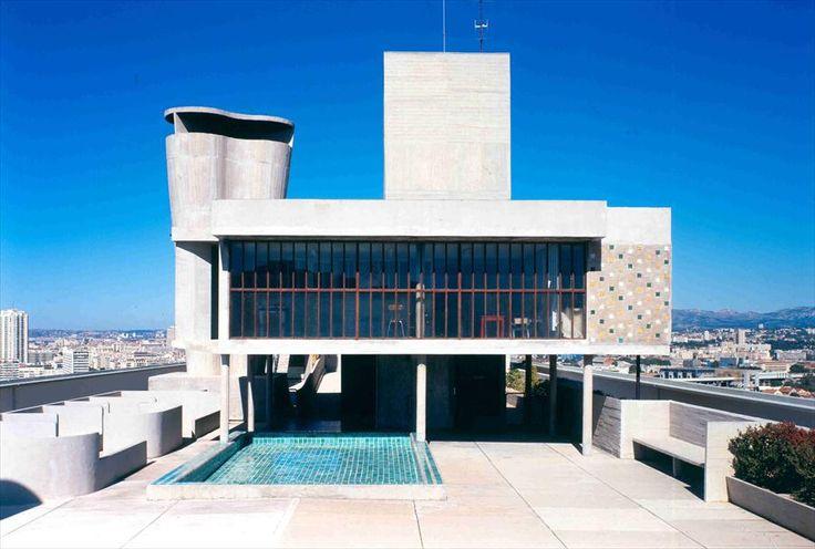 Unité d'habitation de Marseille. Cubierta, equipamientos comunes: piscina. Le Corbusier vía Fondation Le Corbusier