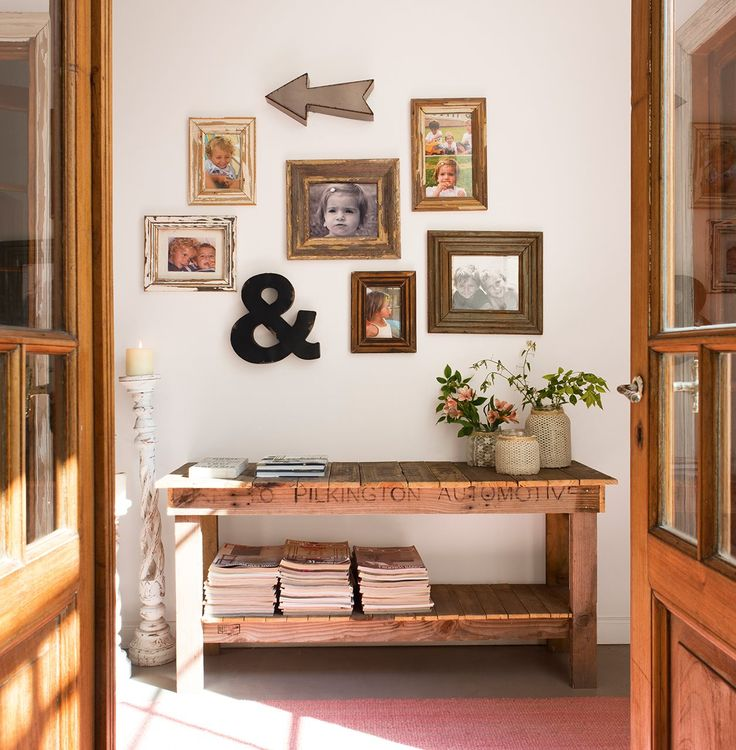 Recuperar un mueble, personalizar con pintura y telas, decorar una pared con fotos, crear pequeños detalles muy naturales... ¡Ideas únicas para crear con tus propias manos!