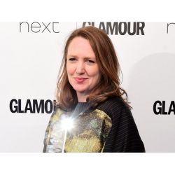 Az év írójának választotta Paula Hawkinst, A lány a vonaton szerzőjét a Glamour magazin.