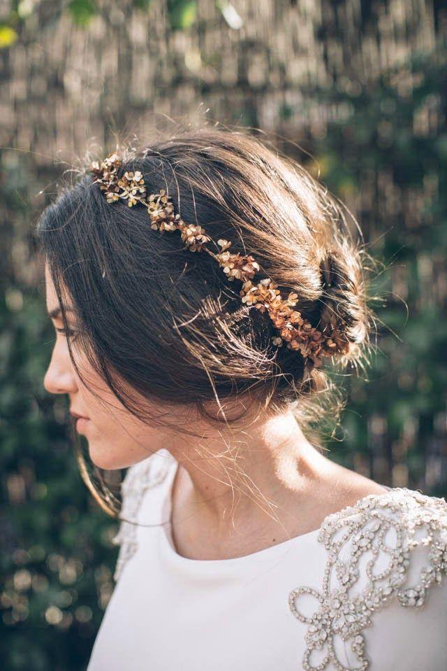 Coiffure pour la mariée d'automne et d'hiver | Amara • Bridal Registry •