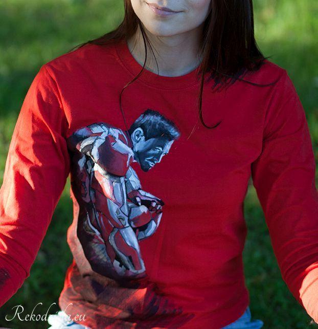 Koszulka Iron Man | rekodziela.eu Handpainteg at longsleeve for children :) #ironman #robertdowneyjr #avengers