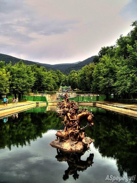Fuente En El Palacio De La Granja De San Ildefonso Segovia Segovia Spain Travel Fun