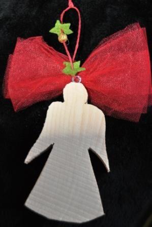 Angelo in legno, decorazione per Natale