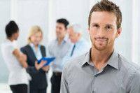 Unternehmensführung (M.A.)  Fachhochschule Schmalkalden Das Studium umfasst fünf Semester und ist mit Selbststudien- und Präsenzphasen so konzipiert, dass sich Berufstätigkeit und Studium optimal vereinbaren lassen. Das Studium vermittelt strategische Management- und Führungsinstrumente, vertieft wesentliche Funktionsbereiche von Unternehmen und berücksichtigt auch internationale und nachhaltige Aspekte der Unternehmensführung. Darüber hinaus werden Kompetenzen für Führungsaufgaben…