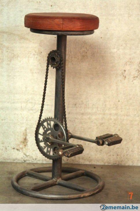 Tabouret de bar industriel original à pédales